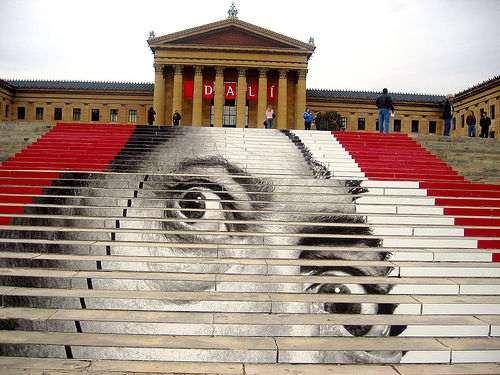 Dali auf der Treppe zum Philadelphia Museum of Art